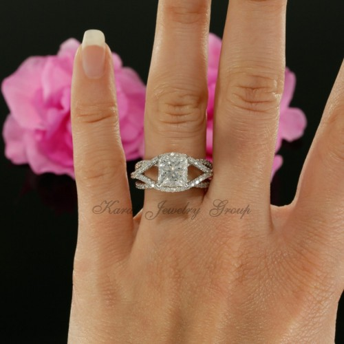 Split Shank Diamond Solitaire Engagement Ring Mounting in 14K White Gold