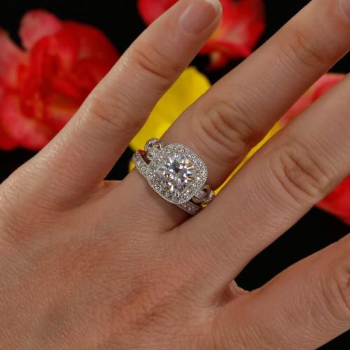Diamond Halo Engagement Ring Mounting in 14K White Gold