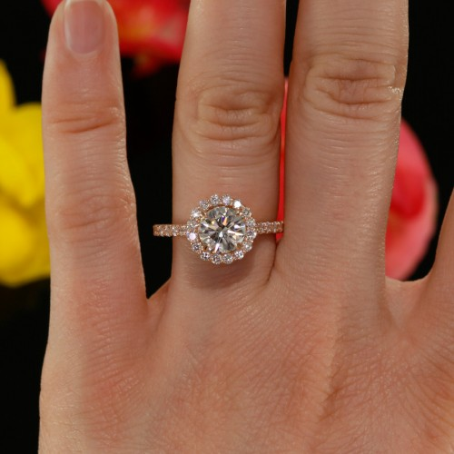 Round Diamond Halo Engagement Ring Mounting in 14K Rose Gold
