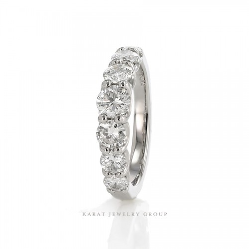 7 stones 1.38ct. Graduated Diamonds Wedding Ring
